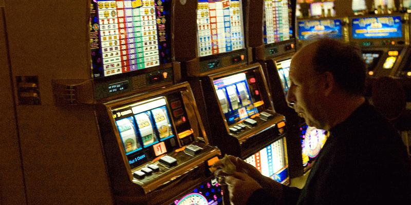 Boetes voor het exploiteren van gokkasten zonder vergunning